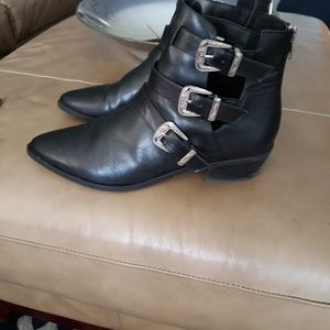 MADDEN GIRL BUCKLED POINTY TOE BOOTS